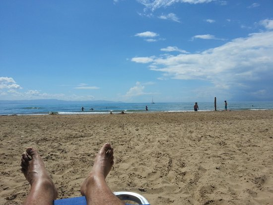 Olympia Golden Beach Resort & Spa: Beautiful sandy beach
