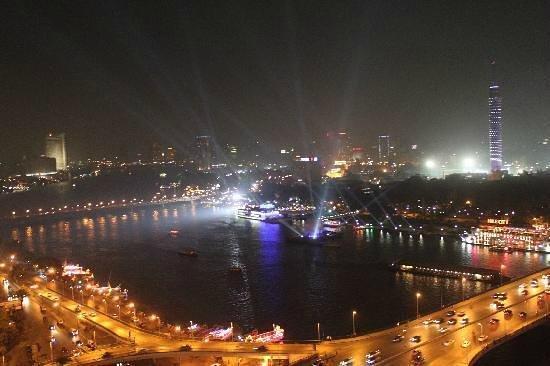 Ramses Hilton: vista desde nuestra habitacion de la ciudad del cairo....