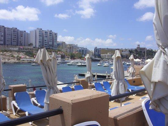 Marina Hotel Corinthia Beach Resort : View from pool area.
