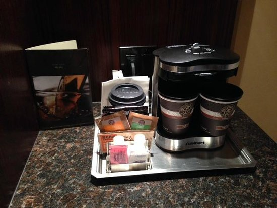 Hilton Anatole: Coffee/ Tea Maker