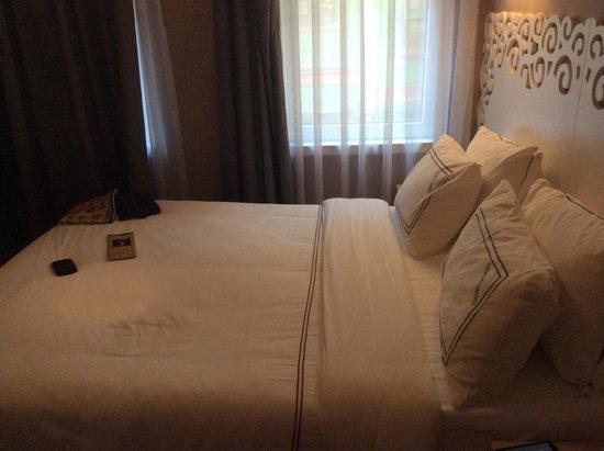 ODDA Hotel : Bed
