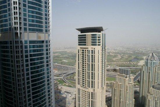 Dubai Marriott Harbour Hotel & Suites: View of Dubai Marina