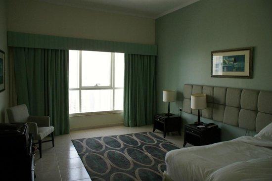Dubai Marriott Harbour Hotel & Suites: Bedroom