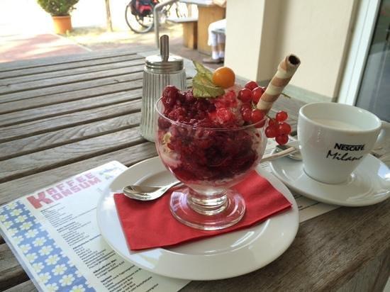 Kaffee Konsum: auch das Eis ist sehr lecker