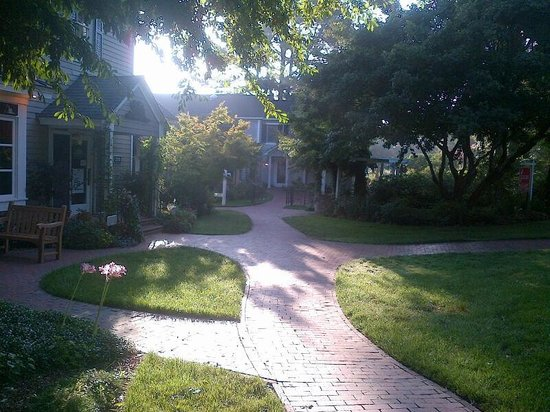 The Fearrington House Inn: Morning strolls 2