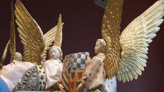 Musée des Beaux-arts de Dijon : Angeli alla testa di Margherita di Baviera