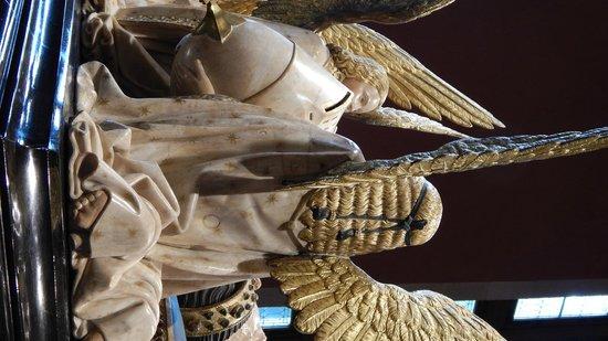 Musee des Beaux-Arts de Dijon: Particolare della capigliatura di un angelo