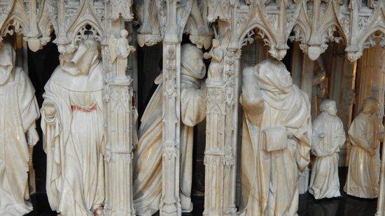 Musee des Beaux-Arts de Dijon: Particolare di una parte di un basamento