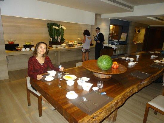 Les Suites Orient, Bund Shanghai: breakfast