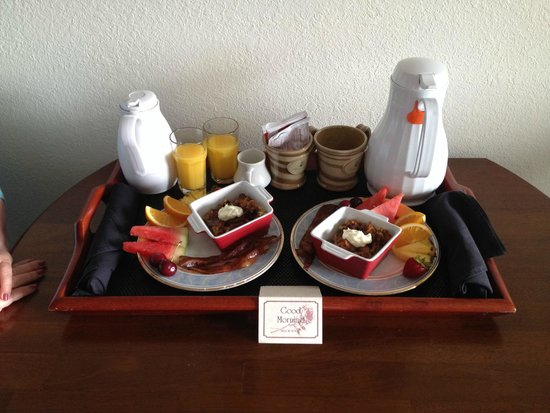 Huron House Bed and Breakfast : Breakfast - Baked French Toast