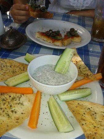Dalyan Iz Cafe: Dippy stuff