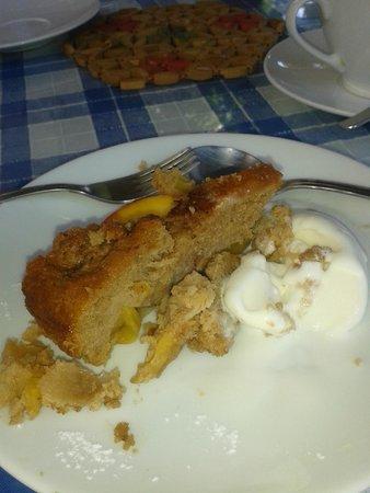 Dalyan Iz Cafe: The peach cake....enough said...Mmmm