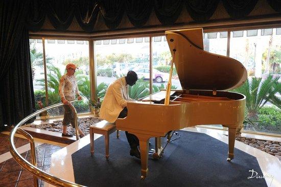 Golden Nugget Laughlin : dans le Hall d'entrée de L'Hôtel le piano mécanique