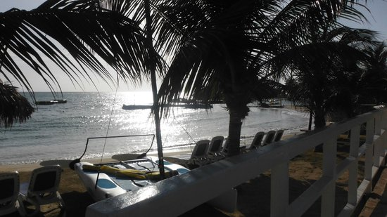 Royal Decameron Club Caribbean: The sun on the water