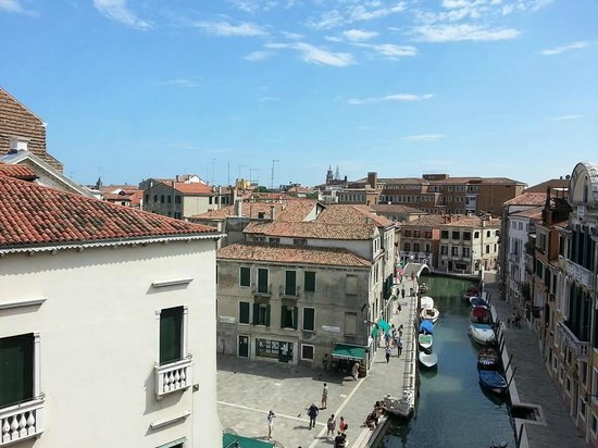 Hotel Papadopoli Venezia MGallery by Sofitel : A room with a view