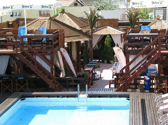 Hotel Bali Paradizo : Beautifull garden with swimmong pools