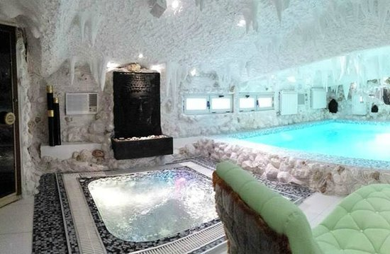 Hotel Bali Paradizo: Presidental suit with swimming pool sauna and jacuzzi