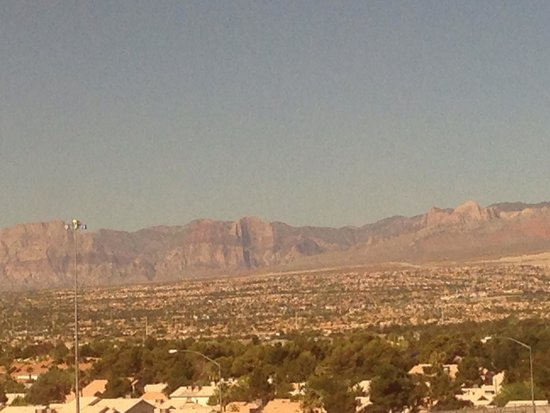 Santa Fe Station Hotel : View of Red Rock from Hotel