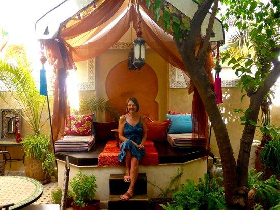 Riad Aguerzame: Courtyard Seating