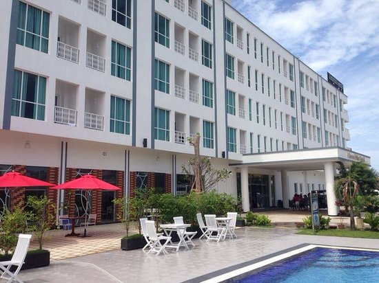 Moon Julie Hotel: Extérieur de l'hôtel
