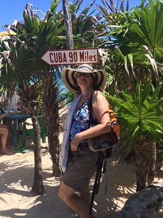 Coconuts Bar and Grill : 90 miles to cuba