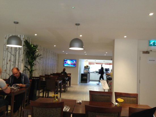 Cairn Hotel Edinburgh: colazione