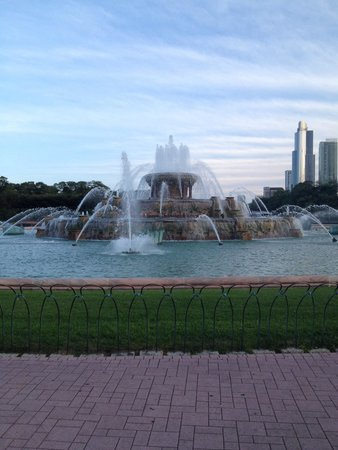 Buckingham Fountain: Like a little bit of Rome in Chicago.