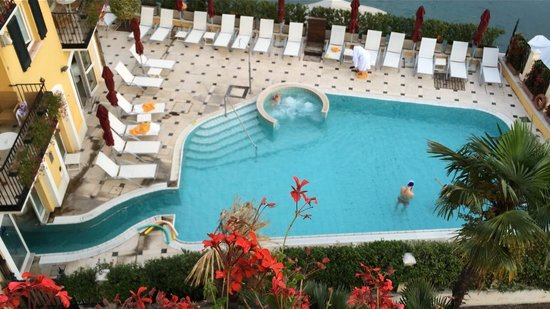 Hotel Sirmione: Piscina riscaldata