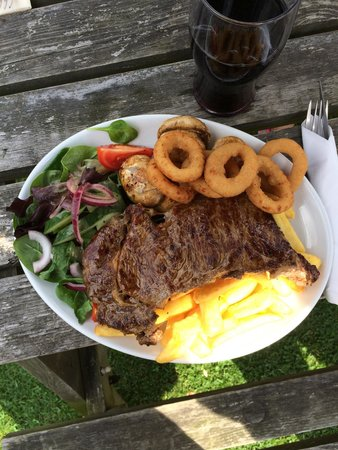 The Yew Tree Inn Chalvington: 8oz Steak. Huge meal, huge quality