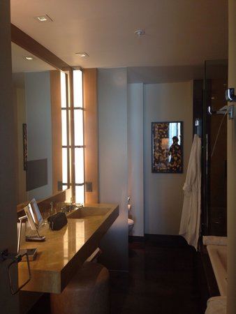 JW Marriott Marquis Miami : Nice bathroom