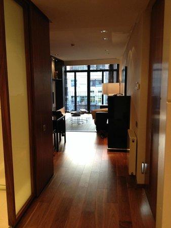 Suites Avenue: Kamer
