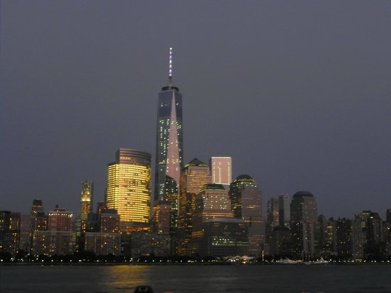 Spirit of New York: The World Trade Center in lights