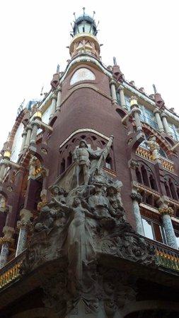 Palau de la Musica Orfeo Catala: Фасад