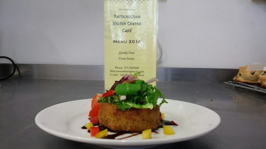 The Tain Cafe: Beautiful fishcake at Rathcroghan Cafe