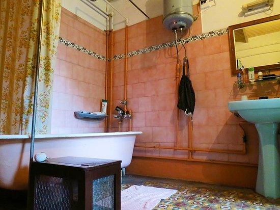 Mrs. Bhandari's Guesthouse : Wunderschönes altes Badezimmer