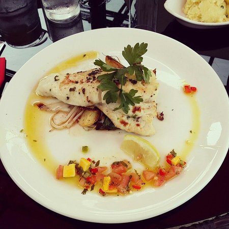 The Wicklow Heather Restaurant : Hake with salsa - incredible!