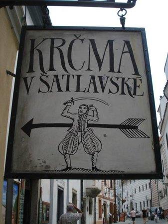 Cesky Krumlov Walking City Tour: tabernas com musicas classicas por toda a cidade