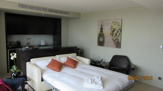 Park Plaza Westminster Bridge London : Second Bedroom + Kitchen
