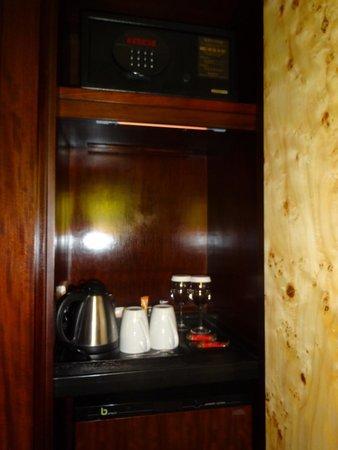 Grange St. Paul's Hotel: Tea/Coffee facilities