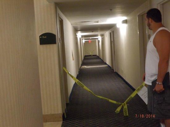 Days Inn Smyrna: hazard tape