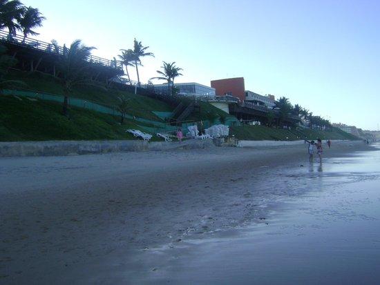 Ocean Palace Beach Resort & Bungalows: Vista do hotel da praia