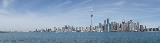 Toronto Islands Ferries : Islands Ferry Service - panoramic view from the ferry