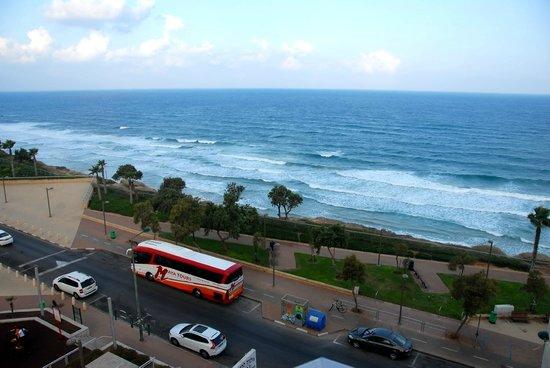Galil Hotel: beach
