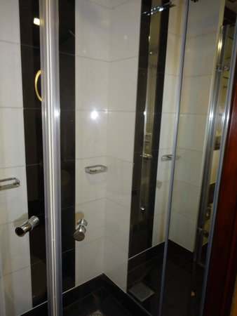 Grange St. Paul's Hotel: Love this shower!