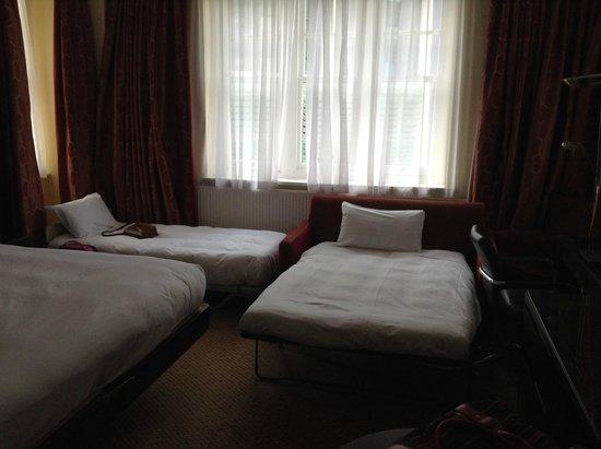 Hilton Nottingham : Inside room 421 (Family Deluxe)