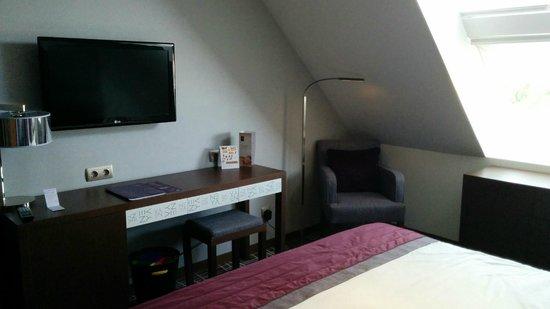 Neya Lisboa Hotel : Habitación