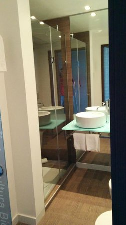 Neya Lisboa Hotel: Baño