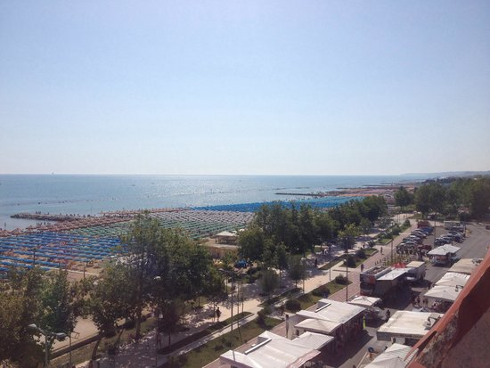 Regent Hotel Pescara: Affaccio hotel