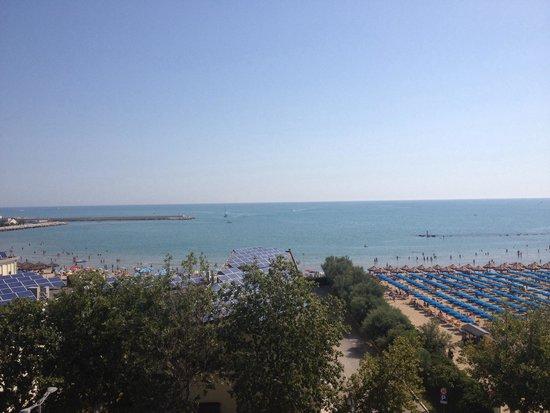 Regent Hotel Pescara: Vista mare hotel