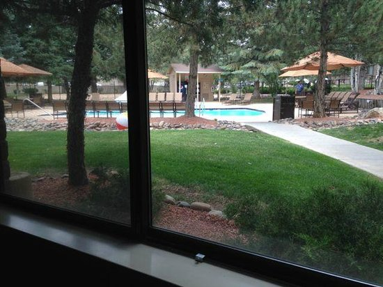 Best Western Premier Grand Canyon Squire Inn : Outdoors swimming pool